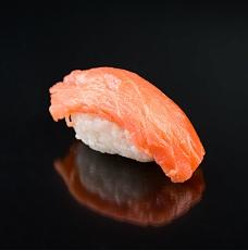 С копченым лососем